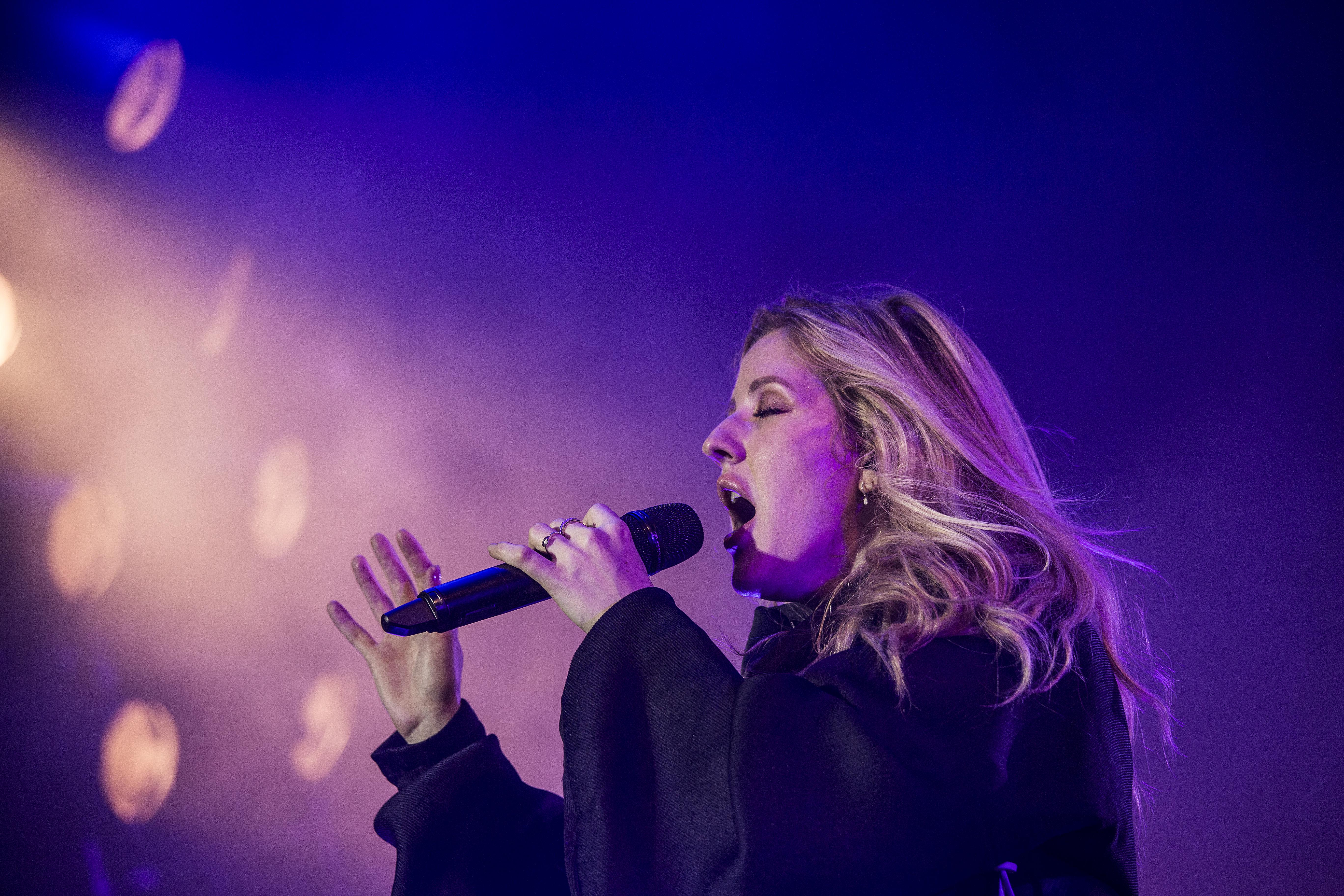/media/3647/tth_smukfest_under_koncert_boegescenen_fre_ellie_goulding_2017_88f25cr1jm.jpg